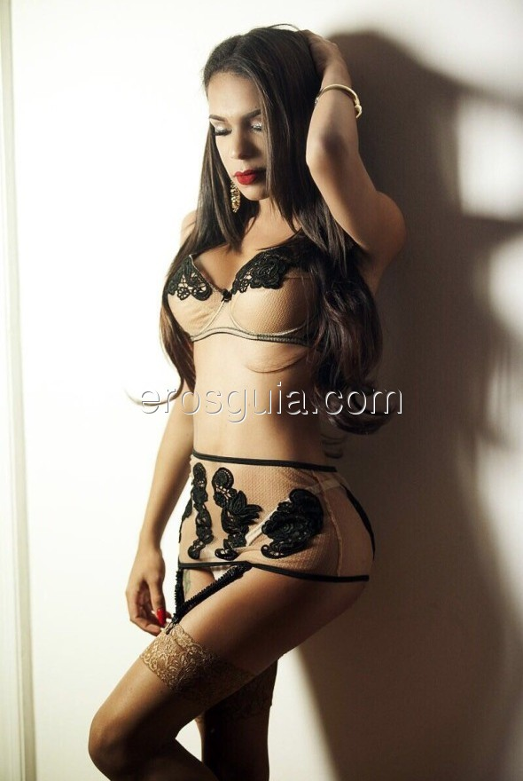 Dominant and submissive role to leave you satisfied