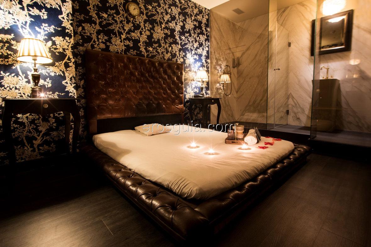 Felina Massage, elegance, glamour and pleasure