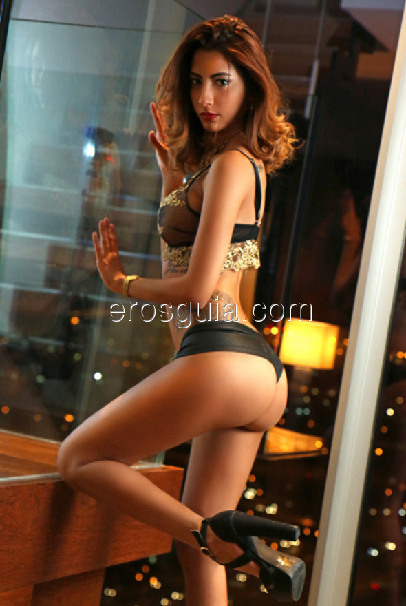 Molly is a young escort capable of making the coldest of men go crazy